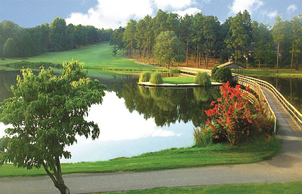 7 Lakes Golf Club in Seven Lakes, North Carolina
