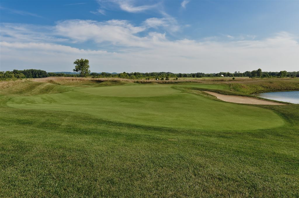 Champions Pointe Golf Club in Henryville, Indiana