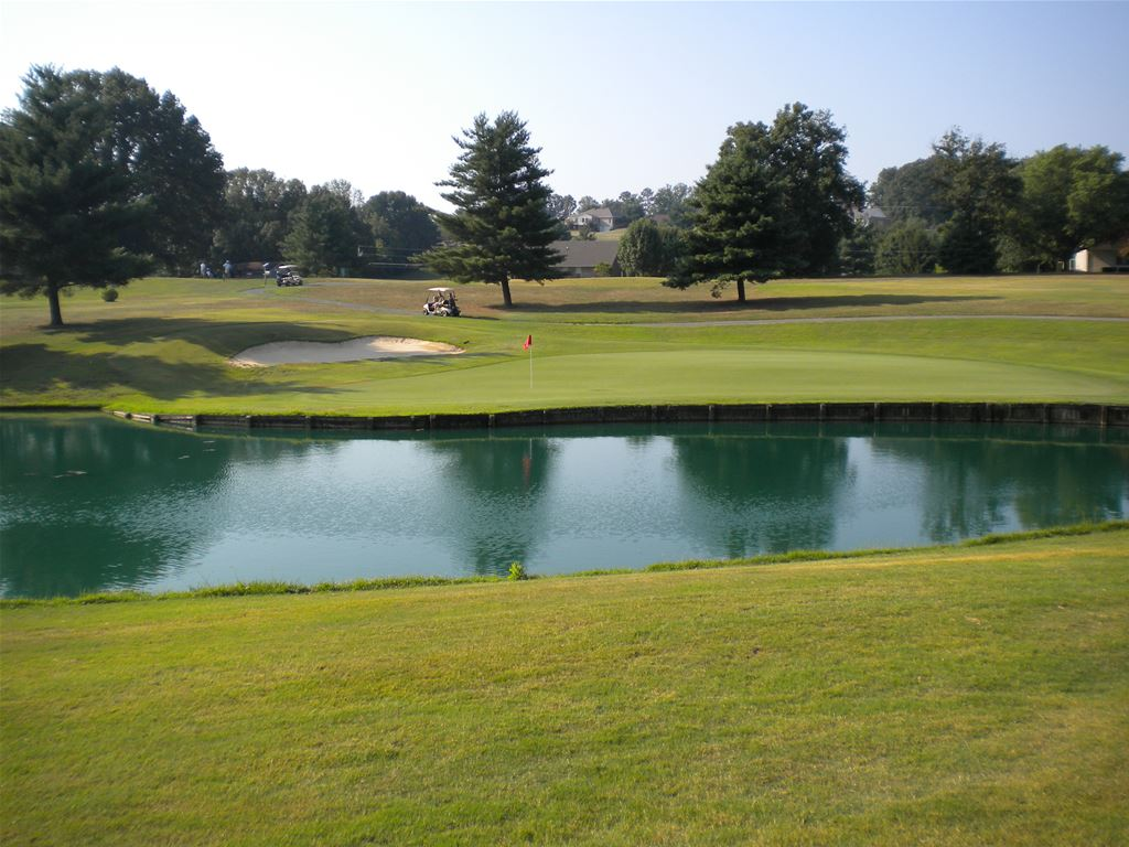 Dandridge Country Club in tennessee